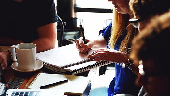 Ännu lägre arbetsgivaravgift för ungdomar föreslås